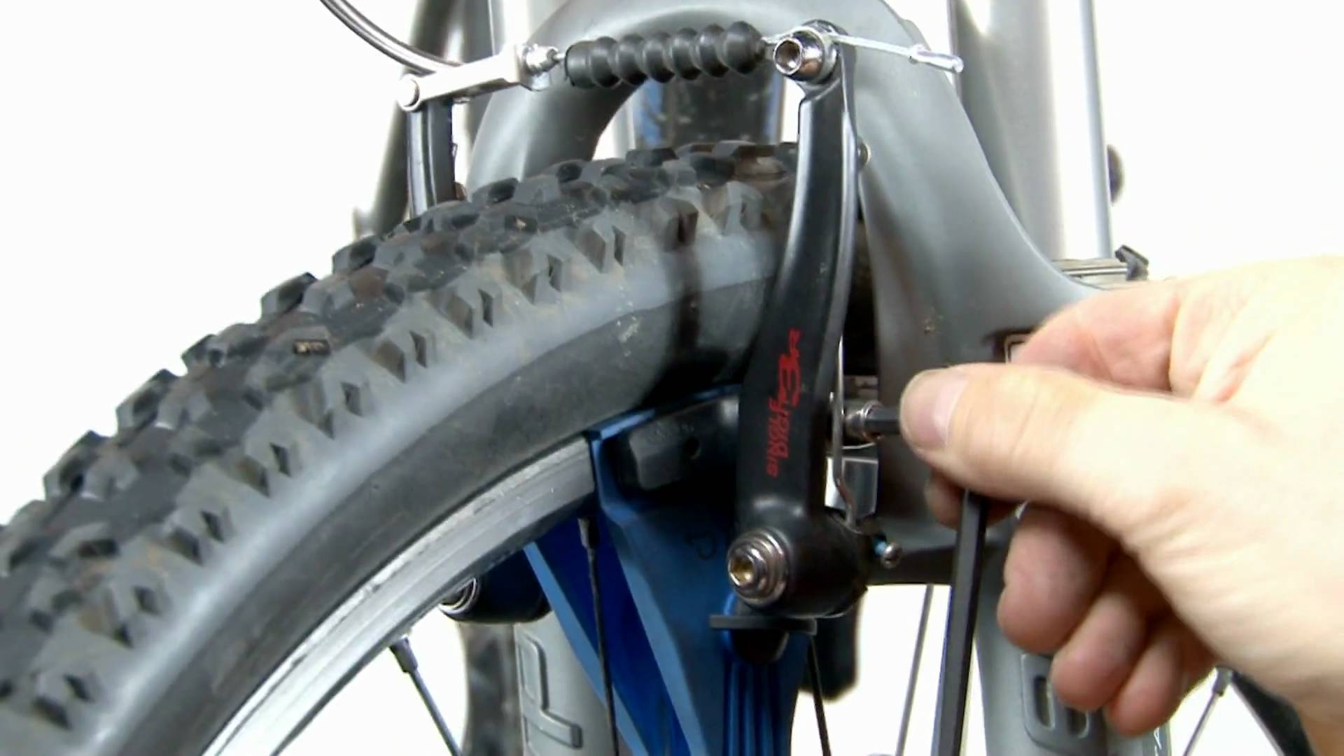 Brake Pad Replacement : How to fix squeaking mountain bike disc brakes