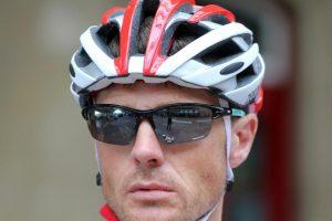 Mountain bike accessories: Protective sunglasses